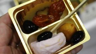 博多久松おせちの試食UP写真